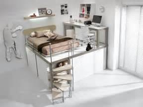 lit mezzanine pour enfants lit enfant mezzanine avec bureau