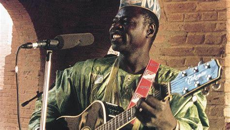 Farka Ufo guitare pour blues malien trad celtic 224 la fois guitare acoustique et 233 lectro