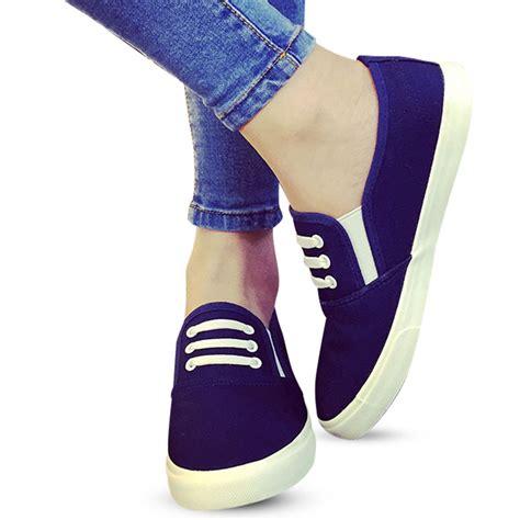 Sepatu Slip On Kets Tali Tiga sepatu slip on tali wanita 3 warna bahan canvas sepatu sneakers wanita elevenia
