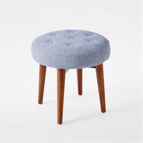 schemel gepolstert mid century upholstered stool west elm