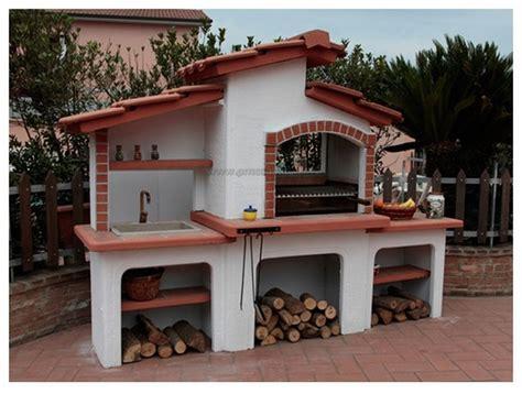 Forno E Barbecue In Pietra by Barbecue In Muratura A Legna Con Acquaio Esterno