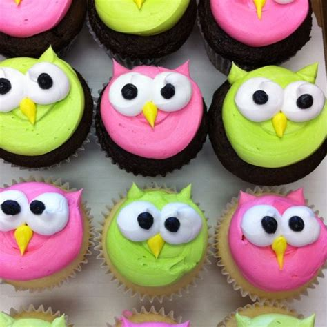 Owl cupcakes easy owl cupcakes pink amp lime green colors for a