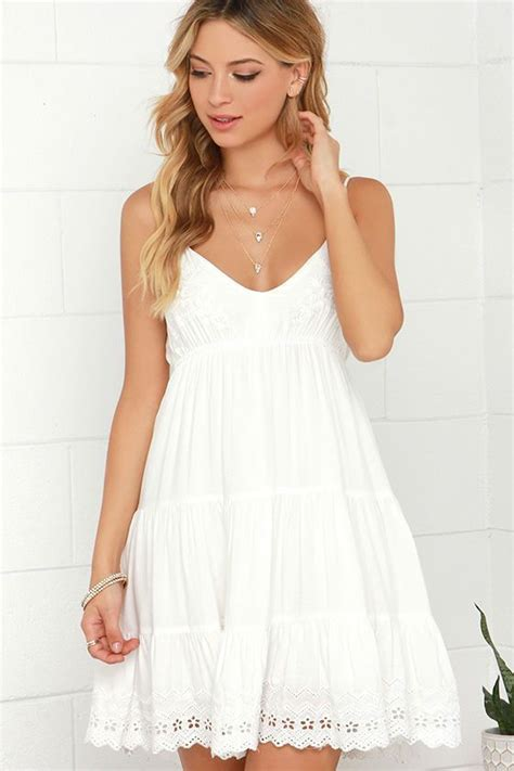5 Pretty White Things To Wear From Around The World by 25 Best Ideas About Semi Formal On