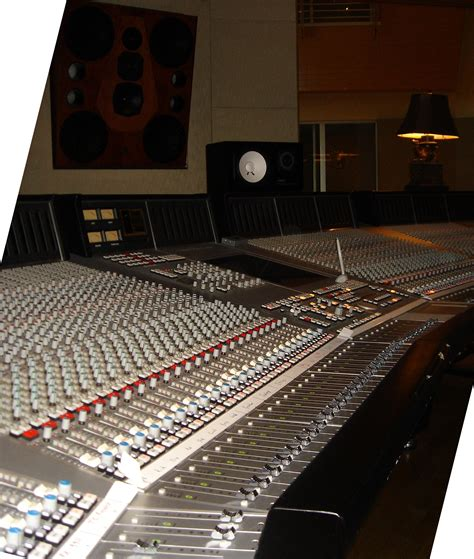 Patchwork Studios - file ssl 9000 j 96ch in room studio 9000