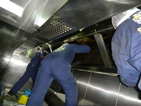 Kitchen Exhaust Cleaning Actual Cleaning Pictures Images And Gallery Dubai Uae