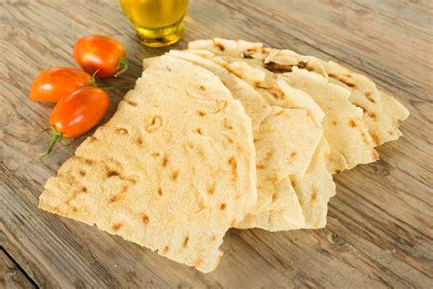 ricetta pane in casa ricetta pane carasau fatto in casa non sprecare