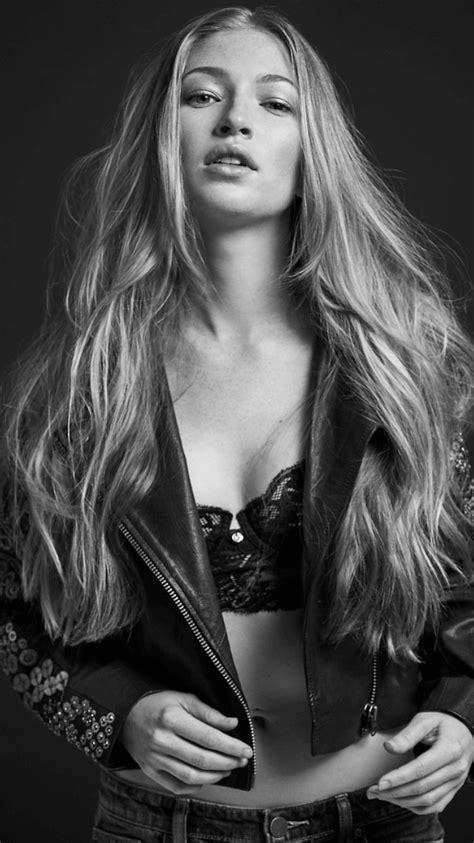 The Hottest Diana Hopper Photos Around The Net - 12thBlog
