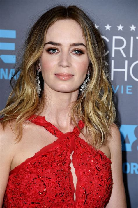emily blunt latest movie emily blunt disney wiki fandom powered by wikia