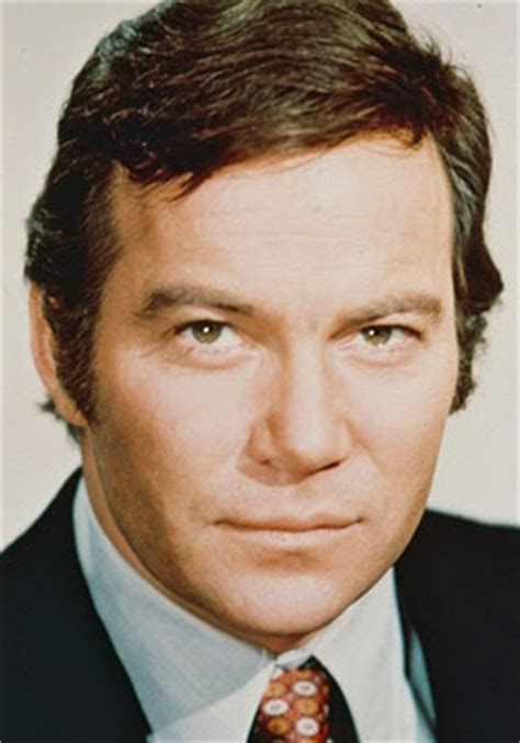did william shatner choose his toupee over his wife shatner s toupee december 2009
