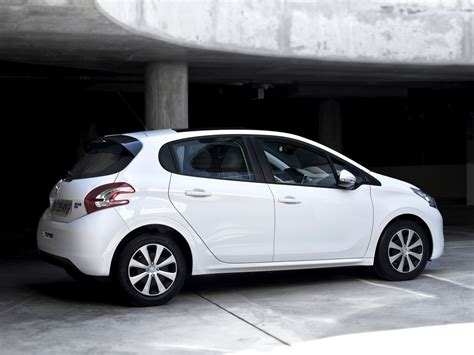 peugeot two door car peugeot 208 5 doors 2012 2013 2014 2015 2016 2017