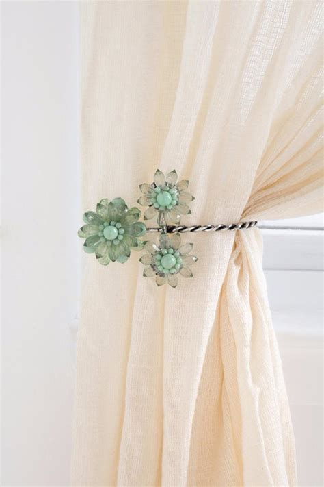 diy curtain tie back ideas 43 clever diy ideas for renters temporary wall curtain
