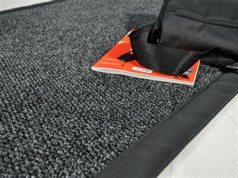 tappeti on line su misura tappeti per esterno drenanti pavimentazione in gomma