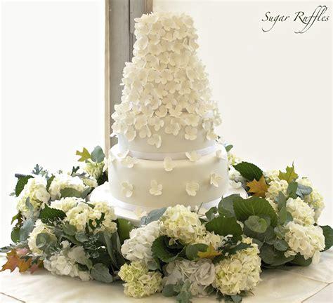 hydrangea cake hydrangea cascade wedding cake