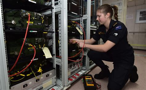 electronic technician navy engineering defence careers