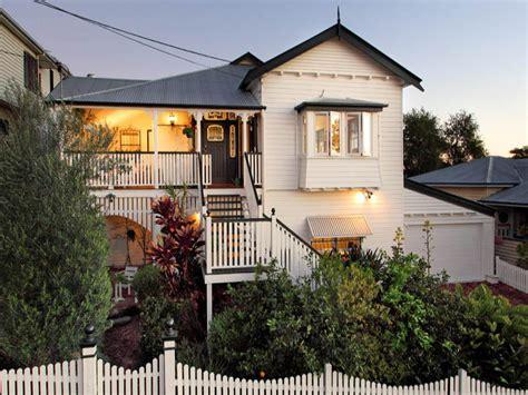 Queenslander Window Awnings by Weatherboard Queenslander House Exterior With Balustrades