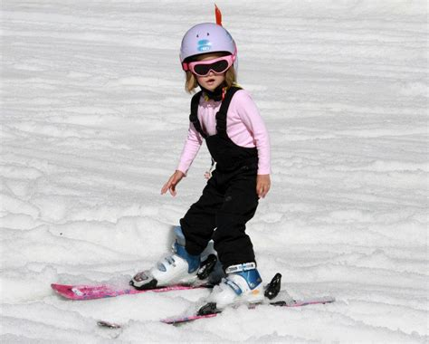 at what age can a child learn to ski or snowboard