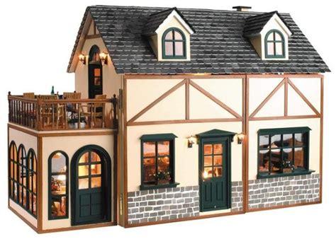 como hacer una casa para munecas de carton enrhedando manualidades