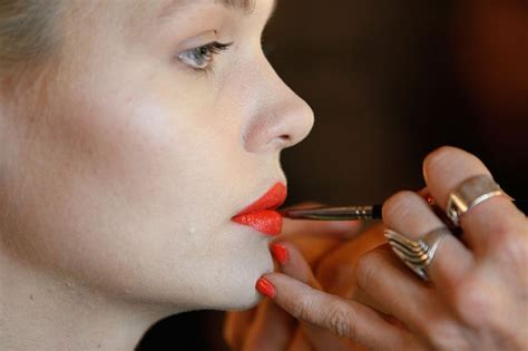 7 Tips For Mastering Bold by 9 Makeup Artist Tips To Mastering A Bold Lip Blitz