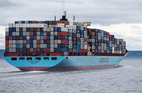 shipping a boat from usa to uk ship containers of your products overseas