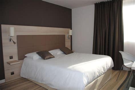 chambre lit chambre grand lit chambres spacieuses et design avec