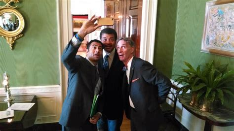 bill nye house bill barack and neil now that s a super science selfie nbc news