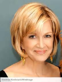 best hair cut for 57 year oldwoman with thin hair popularne fryzury jak je nosić po pięćdziesiątce