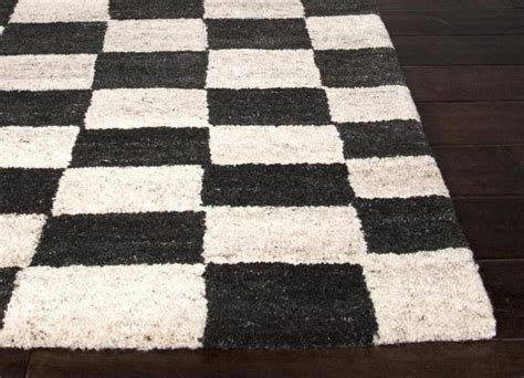 checkered rugs checkered area rug guidepecheaveyron