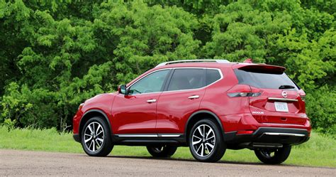 nissan sports car 2017 drive 2017 nissan rogue sport carblog