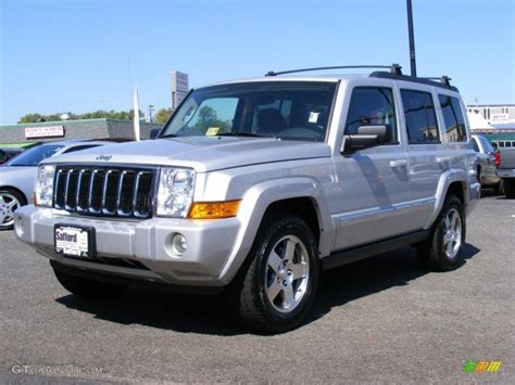 2010 Bright Silver Metallic Jeep Commander Sport 4x4