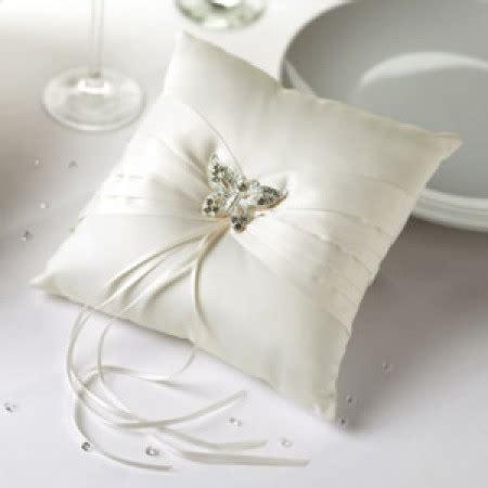 come fare un cuscino portafedi cuscino portafedi quot farfalla quot avorio