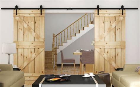 porte de coulissante 3 volets porte coulissante suspendue de style grange ou moderne