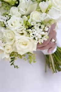 white bouquet bouquet colors help weddingbee