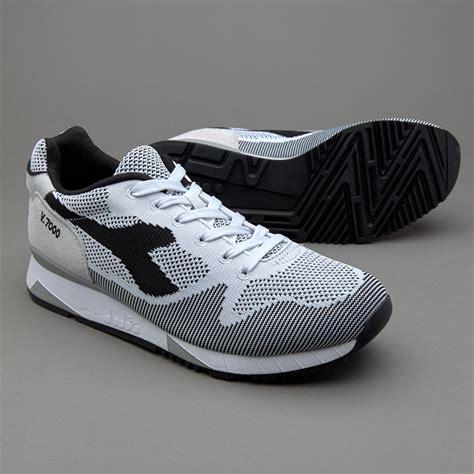 Sepatu Basket Merek Diadora sepatu sneakers diadora v7000 weave jacquard grey