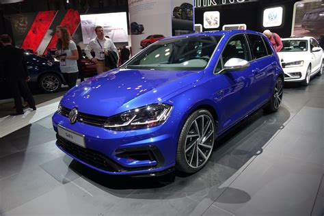 Golf R New York Auto Show by 2018 Vw Golf Lineup Nipped Tucked Tech D