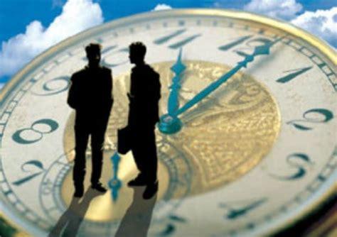 shift kerja adalah waktu kerja atau periode kerja shift over time libur