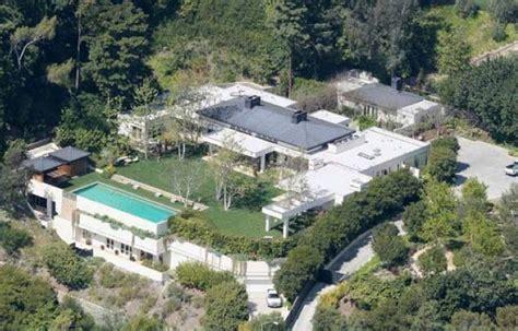 Houses With Big Garages by Ellen Degeneres And Portia De Rossi S Beverly Hills