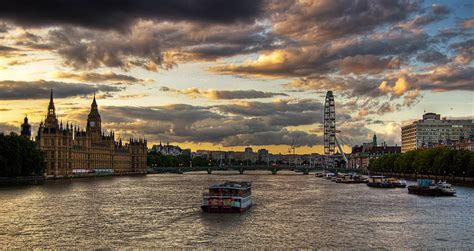 thames river cruise valentine s day six romantic ways to celebrate valentine s day in london