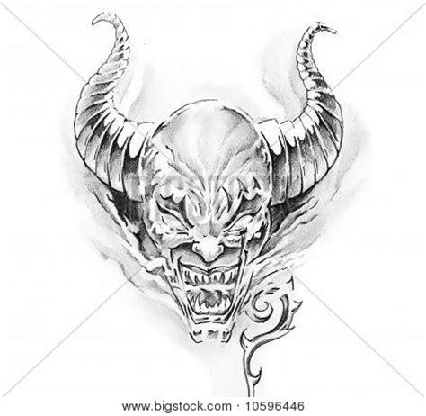 tattoo online erstellen bild und foto tattoo kunst skizze ein teufel bigstock
