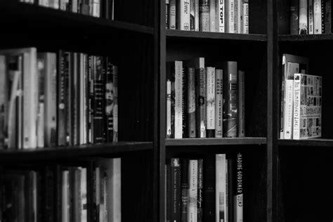 black and white library wallpaper a cosa serve la letteratura gramma teca