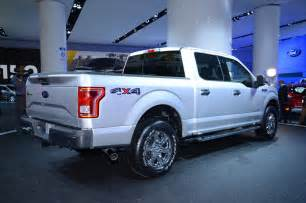 2015 ford f 150 rear three quarter photo 6