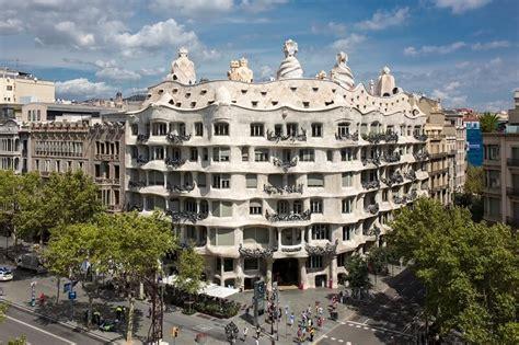 casa de la pedrera la pedrera obra de arte total gaud 237 en barcelona