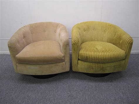 barrel style swivel chair wonderful pair milo baughman style swivel barrel back tub chairs mid century at 1stdibs
