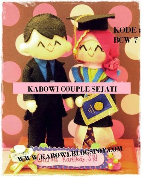 membuat boneka maskot dan souvenir yang unik kado wisuda hadiah animasi unik boneka couple jual flanel
