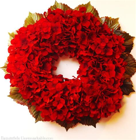 red hydrangea christmas wreath allfreechristmascraftscom