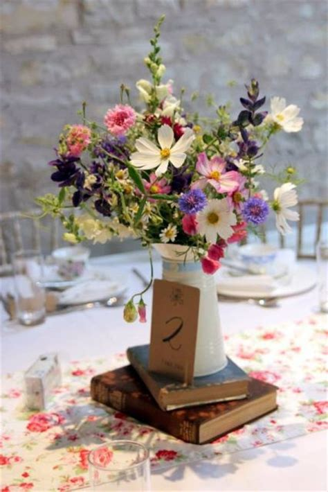 wedding table decorations uk modern and vintage wedding decorations with jugs 21 ideas weddingomania