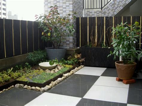 wonderful minimalist backyards   love