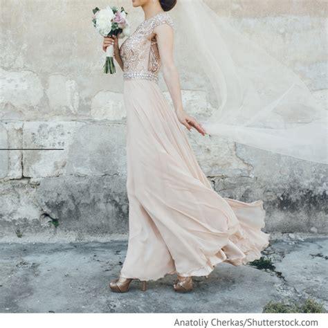 Brautkleider Blush by Brautkleid Blush Mit Langem Schleier Hochzeitsideen F 252 R