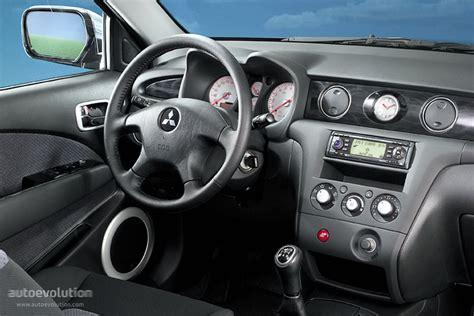 old car manuals online 2003 mitsubishi outlander interior lighting mitsubishi outlander airtrek specs 2003 2004 2005 2006 2007 autoevolution