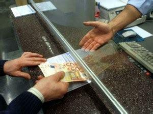 scienze politiche lavoro in banca lavoro in banca selezioni per operatori di cassa in
