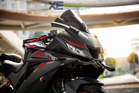 accessorised yamaha yzf   sports motogp style